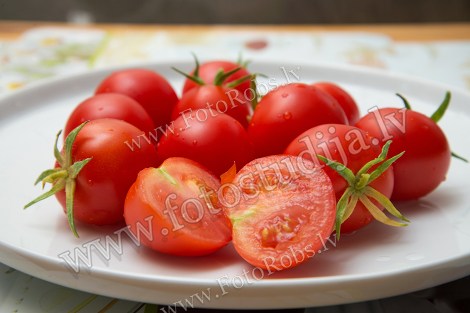 Red rooms tomatoes