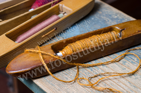 Weaving instruments